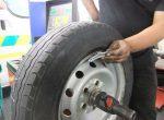 После балансировки колес все равно бьет руль – Пять причин биения руля: симптомы и способы лечения. Блог › Биение руля: причины и устранение